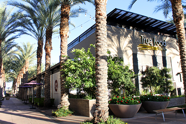 Dining at Kierland Commons