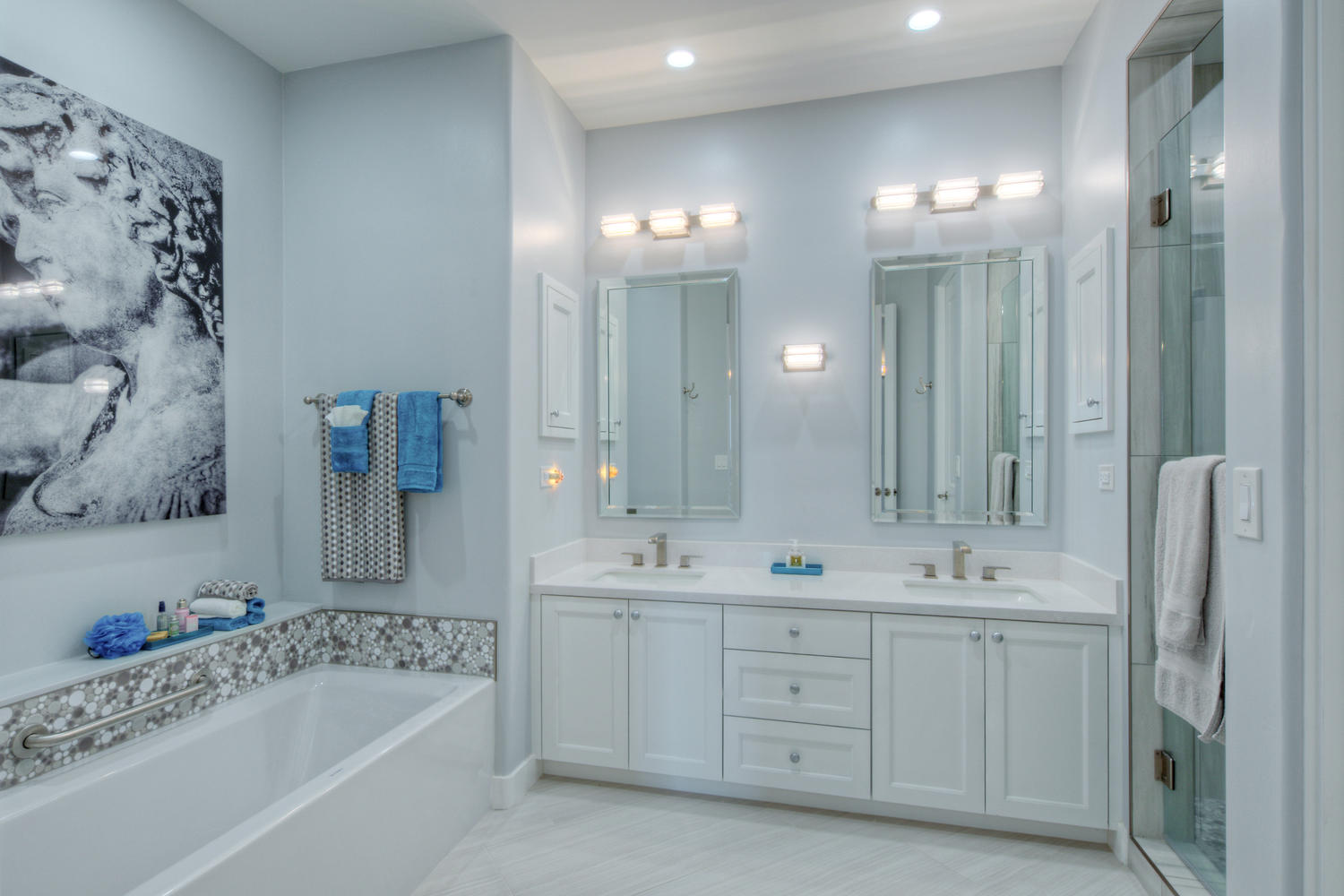 Landmark Scottsdale Condo Bathroom 603